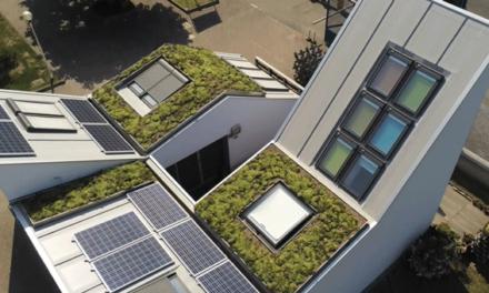 O sistema de cobertura verde GREENROOF da Isopan no Veluxlab, o primeiro edifício NZEB de um campus universitário em Itália